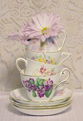 Lavender, lot of 4 - Vintage Tea Cups & Saucers from England