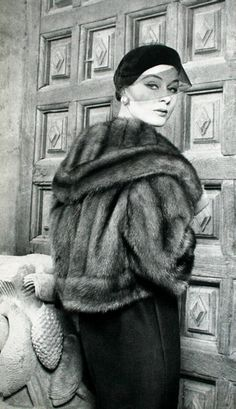 L'Officiel, December 1958.    Fur by Lanvin-Castillo