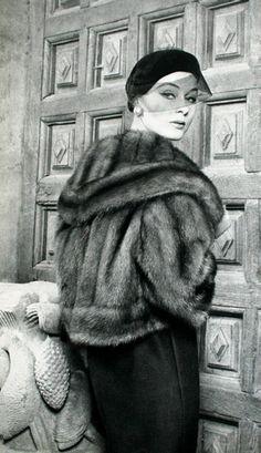 L'Officiel, December 1958.    Fur by Lanvin-Castillo
