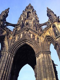 The Scott Monument in Edinburgh, Our tips for things to do in Edinburgh: http://www.europealacarte.co.uk/blog/2011/12/19/edinburgh-tips