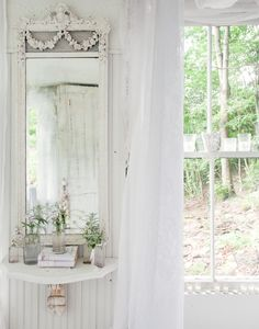 A Catskills hunting cabin turned into a romantic Victorian cottage. Photo: Trevor Tondro for The New York Times