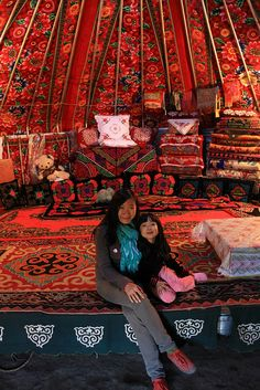 Yurt Living - love the super large floral print