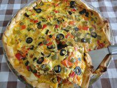 Tarta de verduras con aceitunas y mozzarella. Ver la receta http://www.mis-recetas.org/recetas/show/41858-tarta-de-verduras-con-aceitunas-y-mozzarella