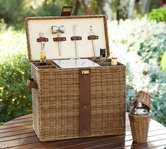 How fun is this outdoor travel bar?