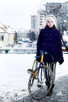 Enjoy Bicycle Girls ride, cycle chic, bicycles, bicyclegirl pl, bicycl girl, cape, girl fashion, bike girl, coat