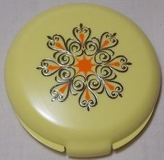 Vintage Avon Designer's Accent-in-Yellow Compact in Original Box