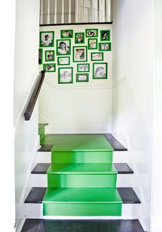 love the green treads and frames