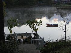 Bufflehead Cove Inn: Bufflehead Cove grounds, smoke on the river