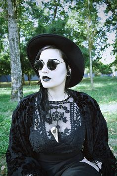 #Goth nu-goth girl