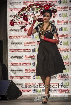 Desfile de Moda Pin Up de www.idfshop.es con tocados y complementos de http://www.floristeriaazabache.com/ y fotografías realizadas por Eduardo Alias de http://www.eafoto.es/ Vestido Pin Up Kate http://tienda.idfshop.es