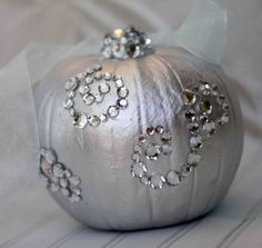 77 Creative Pumpkin Crafts for Halloween and  Fall Décor