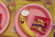 I wouldn't use pink but cute idea. A very pink Curious George birthday party | TheMombot.com