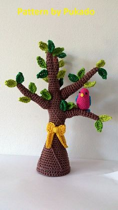 Tie a Yellow Ribbon round the ole Oak tree pattern by Patricia Stuart.