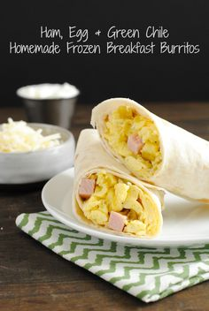 Homemade Green Chile & Ham Frozen Breakfast Burritos - Make a big batch of breakfast burritos at home! Freeze them, then just microwave as needed. | foxeslovelemons.com
