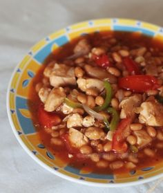 Chicken and baked beans in tomato sauce