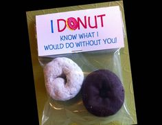 Hey, I found this really awesome Etsy listing at https://www.etsy.com/listing/176205224/valentines-day-donut-treat-bag-toppers