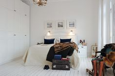 white and neutral bedroom