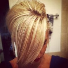 ♥ perfect blonde coloring- lots of dimension but still has the bright blonde pop!