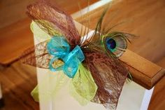 Peacock pew bow