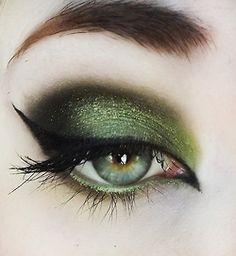Mossy green eye eye makeup, cat eyes, makeup ideas, dramatic eyes, glamorous makeup, witch makeup, green eyes, winged eyeliner, eye liner