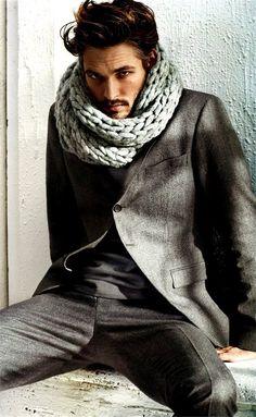 scarf + suit = hot  #men #style