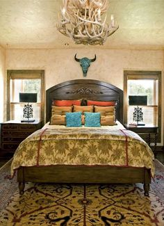 Western turquoise and gold guest bedroom | Stylish Western Home Decorating