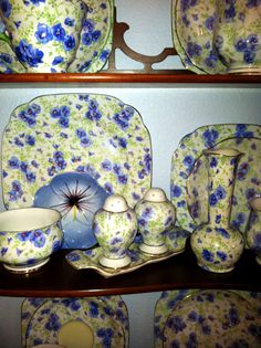 Vintage Blue Pansy Chintz - totally my favorite in my collection