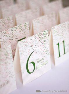 Números de mesa... diseño de Project Party Studio #papeleriadeboda #weddingstationery #tendenciasdebodas