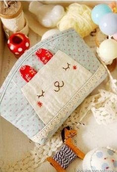 Sleeping Bunny Pouch – Free Photo Sewing Tutorial | PatternPile.com,not in english but good pix guide