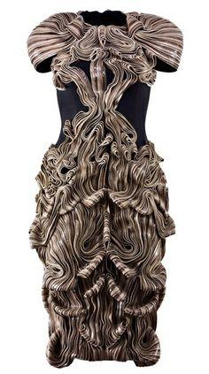 Wearable Art - 3d sculptural symmetry; fascinating textured dress with dimensional patterns; fashion meets art // Iris van Herpen