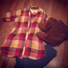 Plaid + skinny jeans + fringe boots // fall outfit // Instagram @ keepinitthrifty