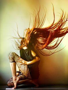 crazy hair, hair colors, ginger, red hair, hair flip, photography women, long hair dos, redhead, beauty art