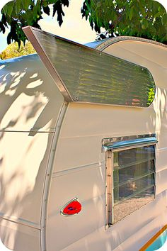 love the wings on this retro Shasta camper