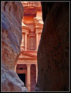 UNESCO World Heritage Site -- Al-Siq, Petra, Jordan; image by Jose Eduardo Silva #ancient #desert #city