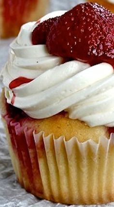 Roasted Strawberry and Mascarpone Cupcakes Recipe | Buttercream Blondie