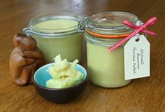 * Lovely Greens *: How to Make Natural Beeswax Furniture Polish