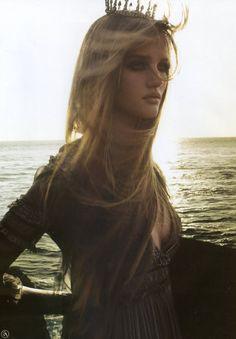 rosie huntington whiteley, fantasy fashion, model, princess, tiara, crown, the queen, fairy tales, sea