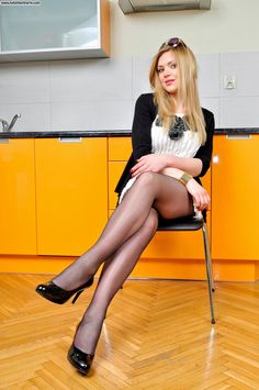 Sexy model in pantyhose from NylonFeetParty - http://sexypantyhose.nyloncelebs.com/models-nylonfeetparty-samples-of-sexy-models-in-pantyhose-01/