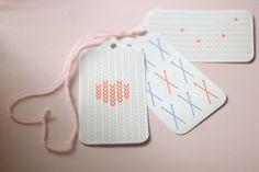 Etiquetas imprimibles gratuitas (3 modelos) inspirados en punto / agujas >> free knitting tags by this lyre lark, via Flickr