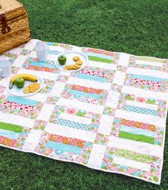 A summery #quilt perfect for picnics or your front porch or baseball games! #summerofjoann