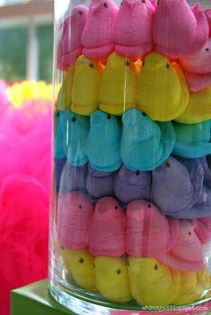 Perfect easy and edible centerpiece- marshmallow peeps.