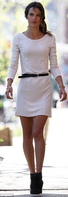 Alessandra Ambrosio:cropped sweater