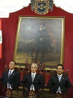 Sensei katsuya Ishiyama, Sensei Hidetaka Nishiyama, Sensei Marcos Moron, en la Sala del pleno de Regidores de la Municipalidad de Lima.