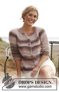 """Knitted DROPS jacket with ¾ sleeves, wavy pattern and round yoke in """"Verdi"""". Size: S - XXXL ~ DROPS Design"""