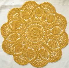 Beautiful Pineapple Doily: free pattern