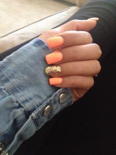 Orange Nails, gold glitter