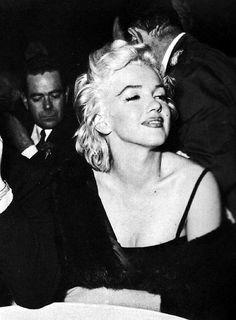 Marilyn Monroe at the Mocambo Club for Sammy Davis Jr.'s birthday, 1954.    SOURCE: missingmarilyn
