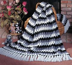 Remember the Kittens, part of Crochet World's FREE Afghan of the Month. Get the download here: http://www.crochet-world.com/scrap_project.php?fcebkcw