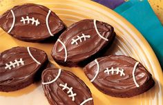 Brownie Football Recipe #gameday #thebiggame #SuperBowl #food #snacks #recipes