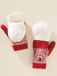 These Snowflake Flip Mittens from @sahaliecatalog are beyond adorable. I was planning to get a pair for my friend, but I may just have to grab a pair for myself too!